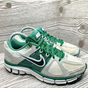 Nike Pegasus 28 running shoe women's size 8 green